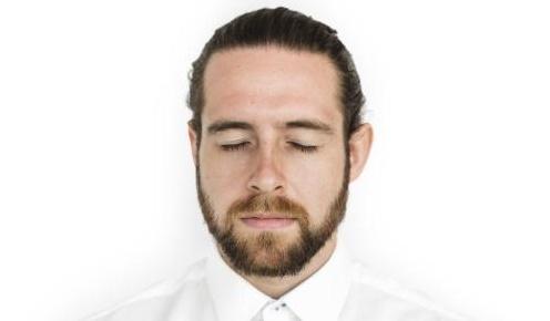 胡须种植的好处,成为男人中的焦点